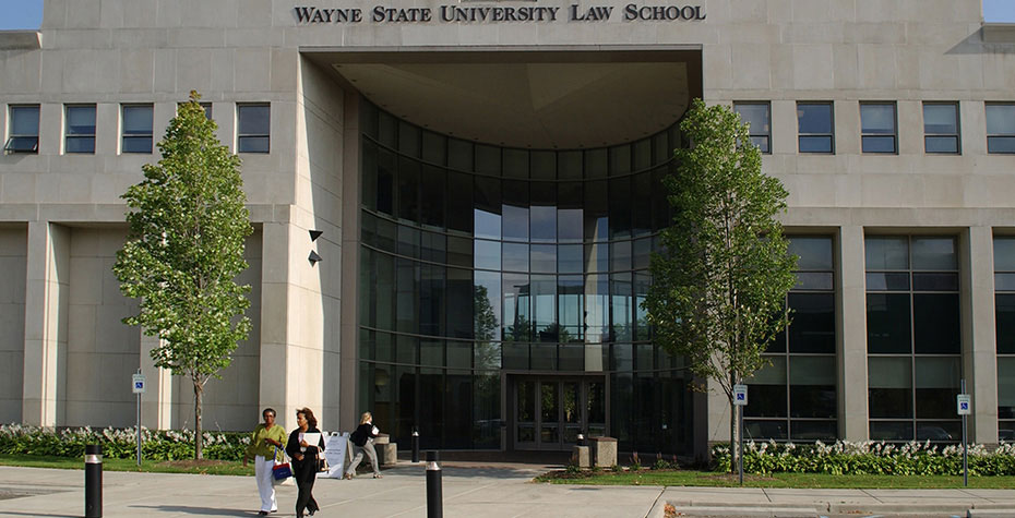 entrance to Wayne State U. Law School