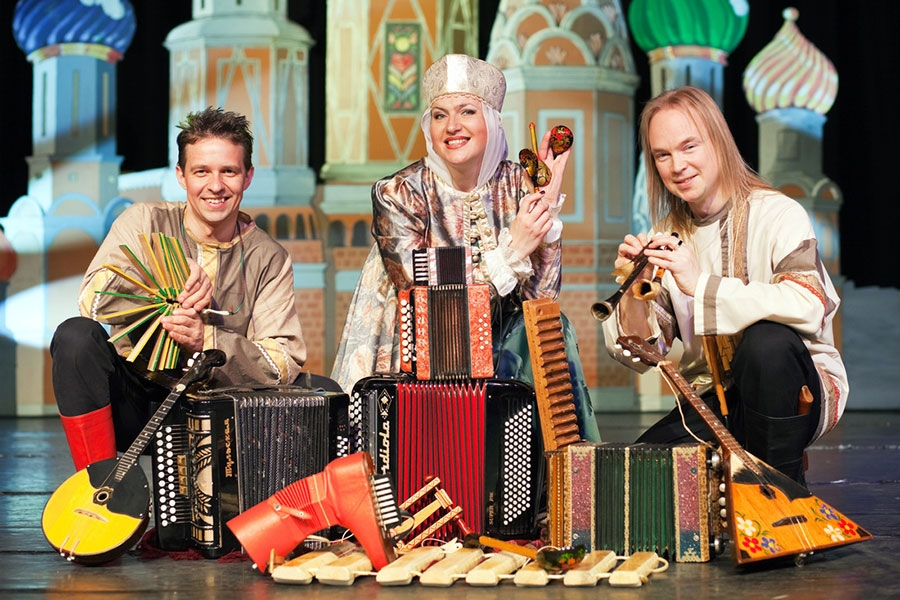 Russian folk music group Zolotoj Plyos