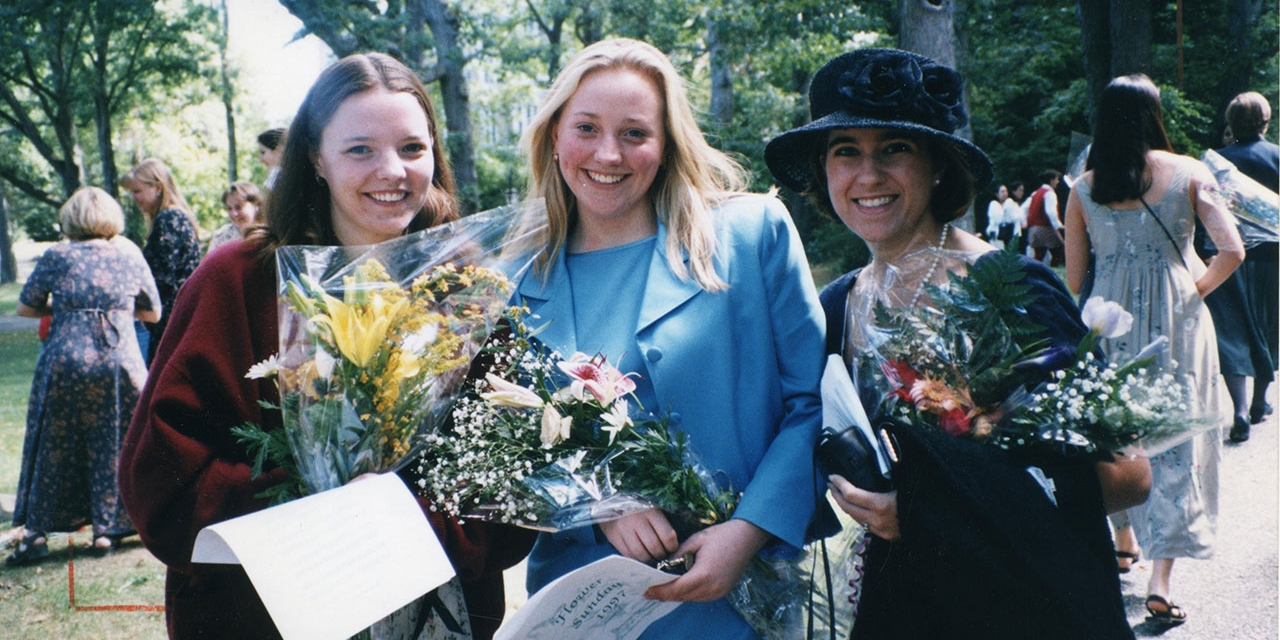 Wellesley students celebrate Flower Sunday (1997).