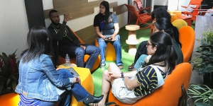 Jessica Abramson '19 participates in a discussion with other Lime Scholars at Google